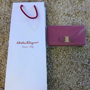 NEW SALVATORE FERRAGAMO VARA RED LEATHER WALLET